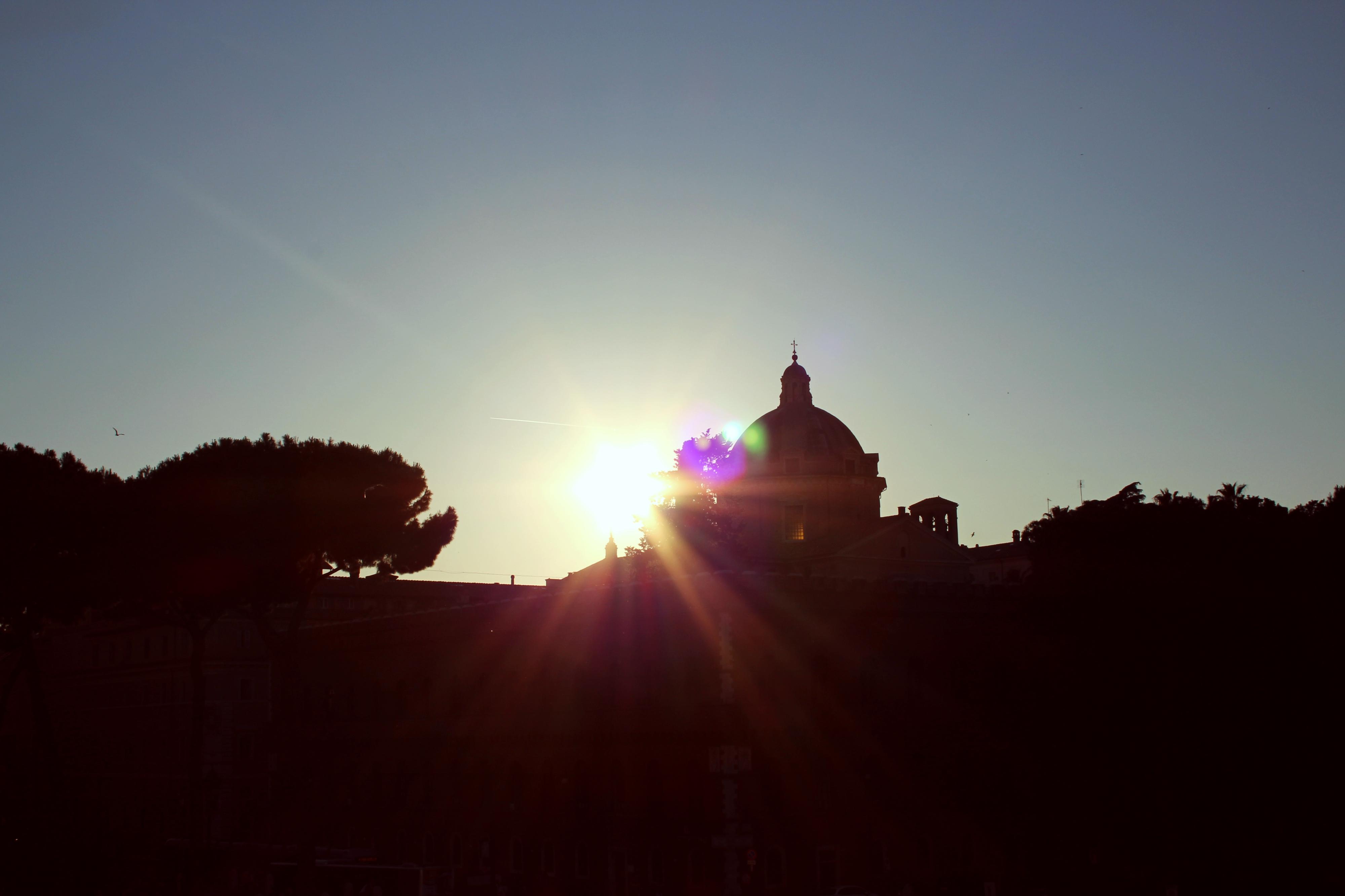 tramonto su una cripta segno di morte