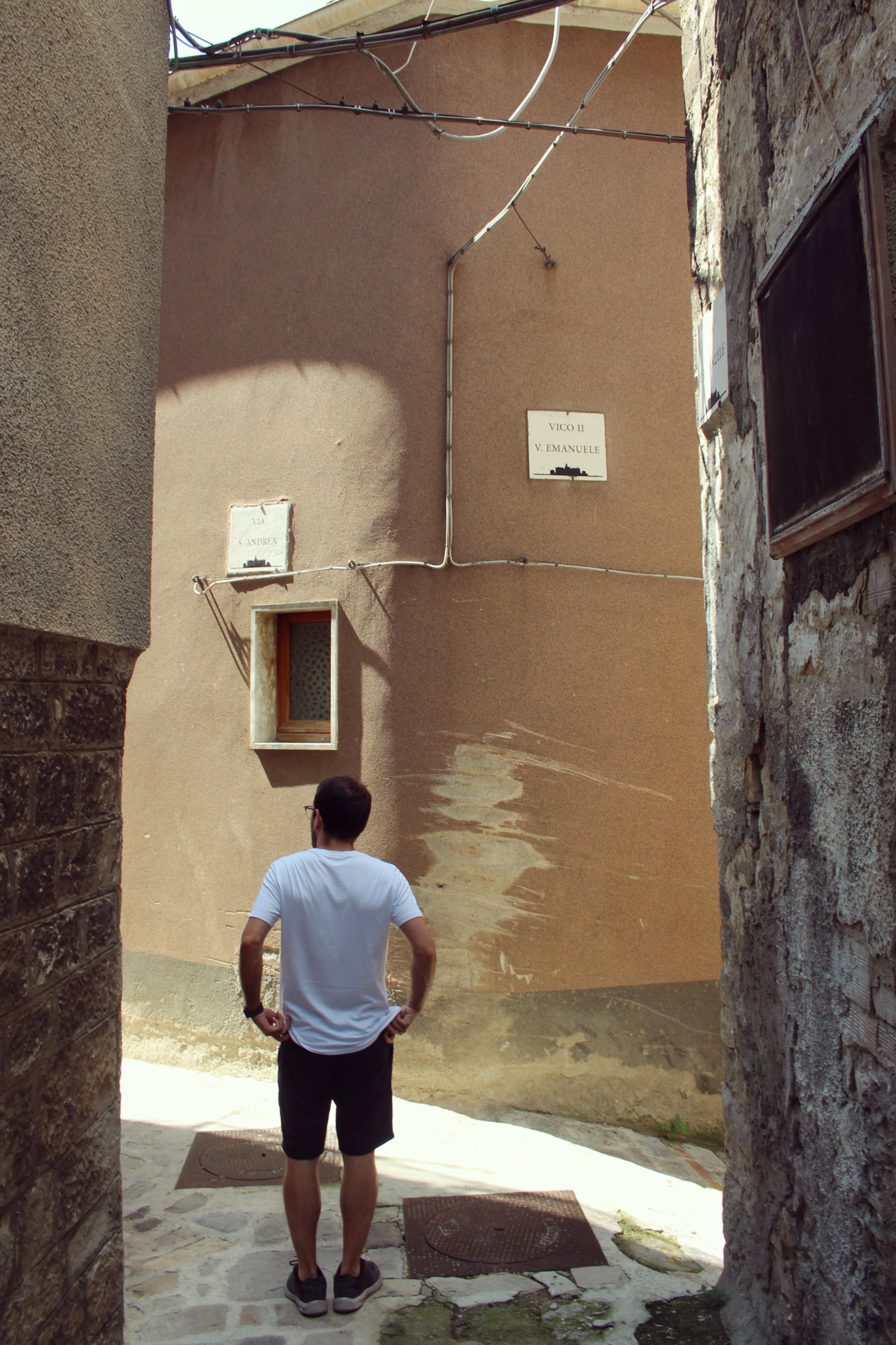 la vita in un altro paese dall italia all inghilterra e poi per tutto il mondo